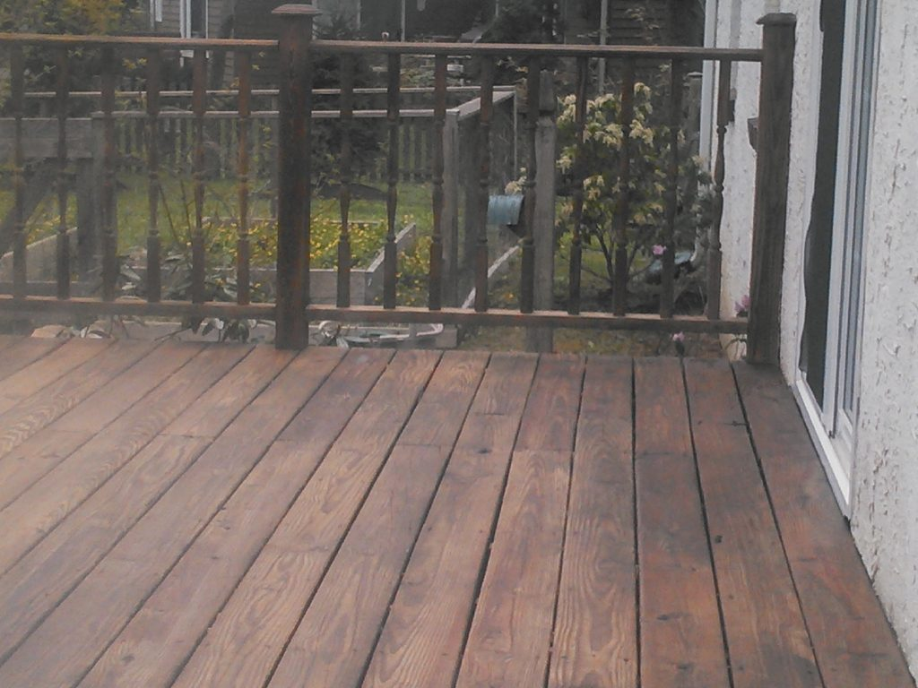 Deck Staining Landsdale Dark Walnut Oil
